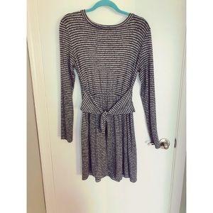 Francesca's Collections - Tie Waist Sweater Dress